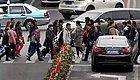交警事故处理潜规则曝光:汽车撞了闯红灯的行人,就这么判!
