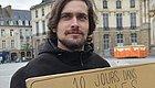 法国生活月薪多少才算够?巴黎人喊出5千欧!外省佛系小哥用事实证明:0欧也行