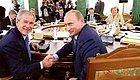 世界最强硬的两位总统,一位让世界颤抖,一位却成了阶下囚