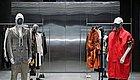VMSD  SSENSE用有温度的混泥土,打造了一个线上选款线下试衣的循环系统体验店