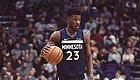 童年被母抛弃、长期寄人篱下,他有一万个理由自暴自弃,却最终成为NBA前十巨星
