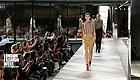 前Givenchy设计总监里卡多的Burberry 2019春夏首秀,果然不负众望!