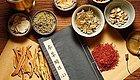 拿铜锅煎制易失效,煎煳锅了会生毒!原来这才是正确煎煮中药法!