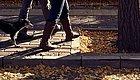 【上海名医】看似简单的散步也有讲究  有一种含胸散步很危险