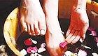 冬天手脚冰冷湿气重,泡脚加上它,在家也可以享受五星足浴服务
