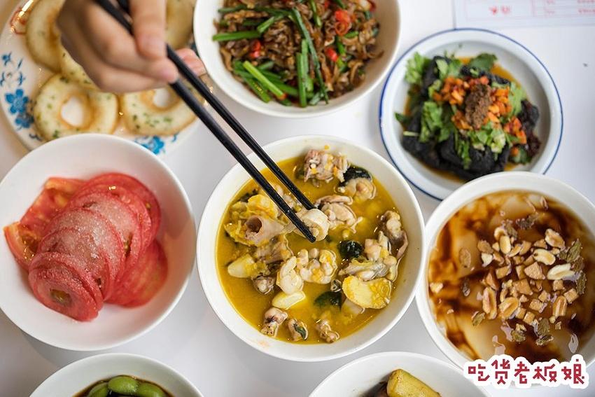 观前街搬来了一条深夜美食街,又多了一个去观特点传统中国美食的图片